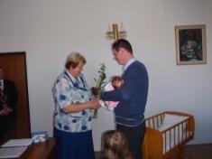 Paní starostka aPetr Kuchařík sdcerou Eliškou.