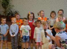 Svátek matek v KD - Obec Horní Újezd